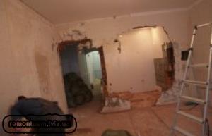 Демонтажні роботи в квартирі Львів